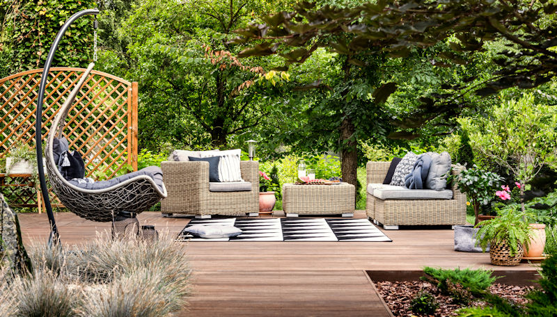 Modern Outdoor Living Spaces