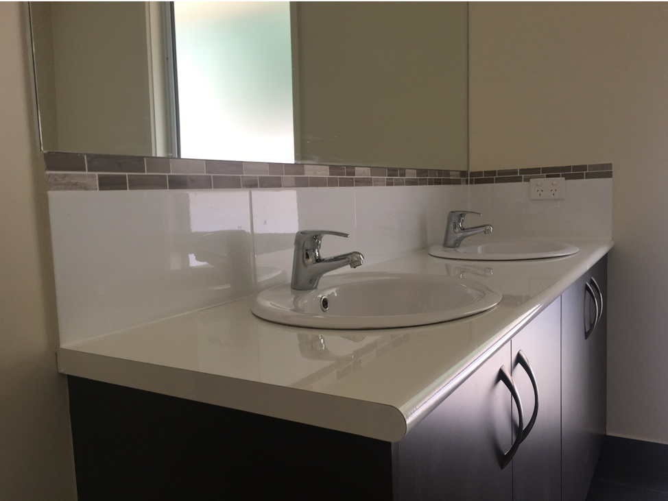 hilltop haven bathroom sinks